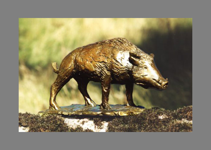 Laurence Broderick bear wildlife sculpture