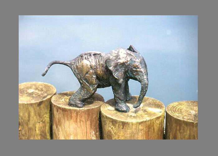 Laurence Broderick elephant wildlife sculpture